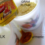 Turmeric & Gram Flour Face Pack For Dry Skinned: Do It Yourself