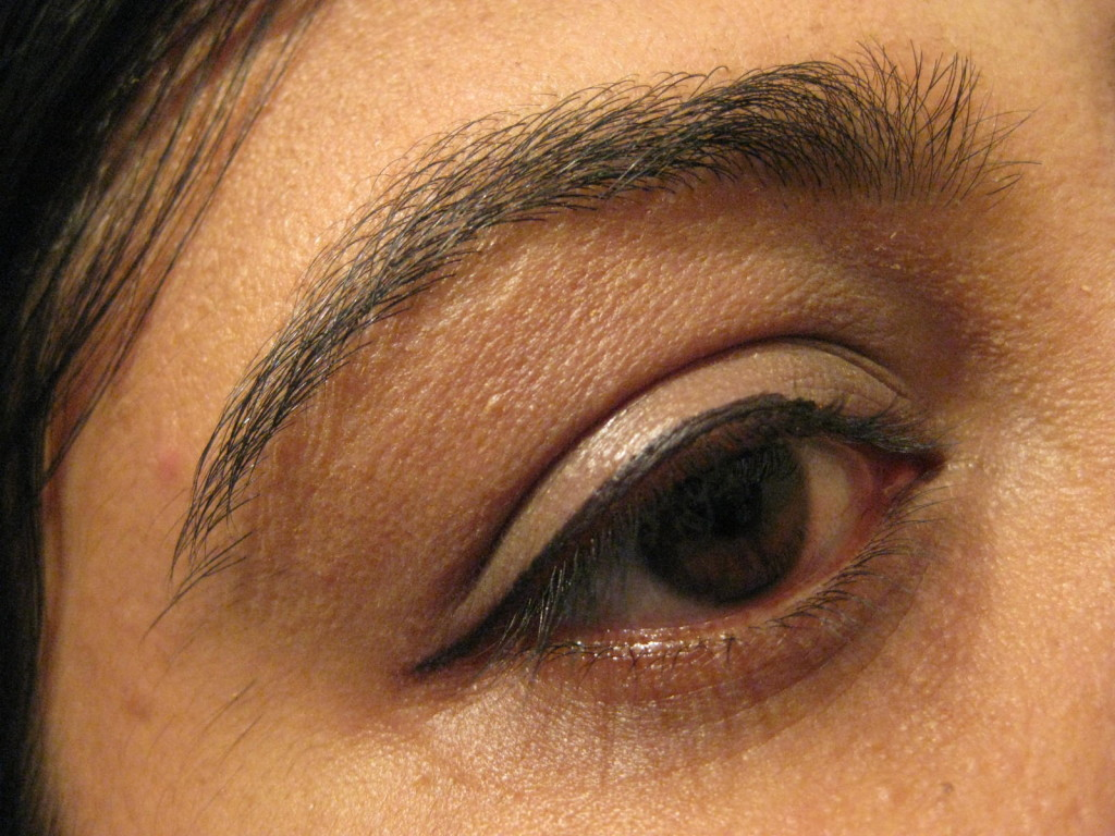 IMG 7038 1024x768 Maybelline's Eyestudio Lasting Drama Gel Eyeliner upto 36 hours (01 Black): Review, Swatch, EOTD!
