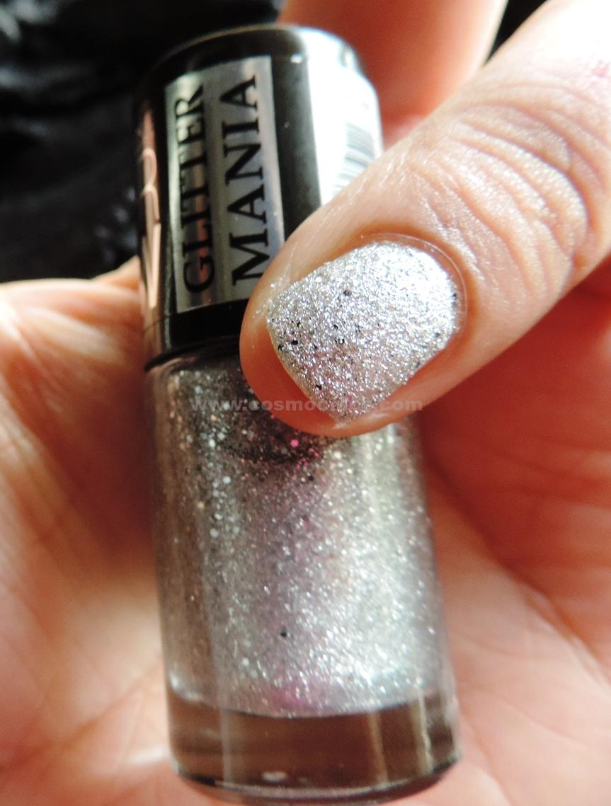 DSCN5532 Currently On My Nails: Maybelline Color Show Glitter Mania Pink Champagne, All That Glitters, Dazzling Diva: Review & Swatches