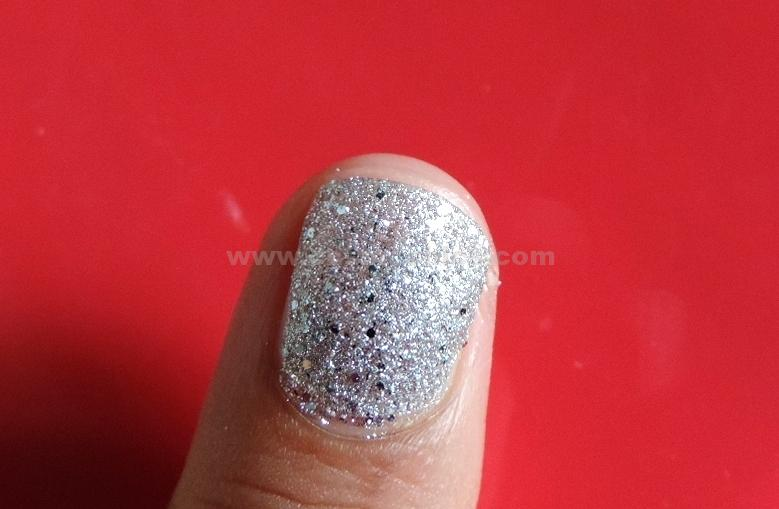 DSCN5534 Currently On My Nails: Maybelline Color Show Glitter Mania Pink Champagne, All That Glitters, Dazzling Diva: Review & Swatches